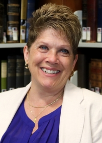 Dr. Sandra Schroer